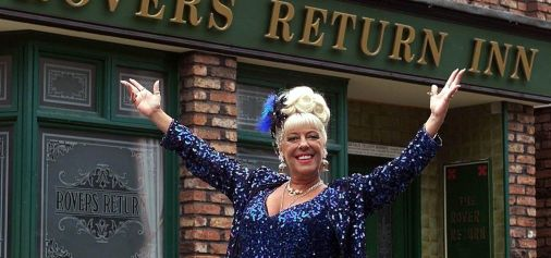 Corrie Legend Bet Lynch steps in to...